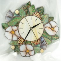 """часовник""""Бели цветя"""""""